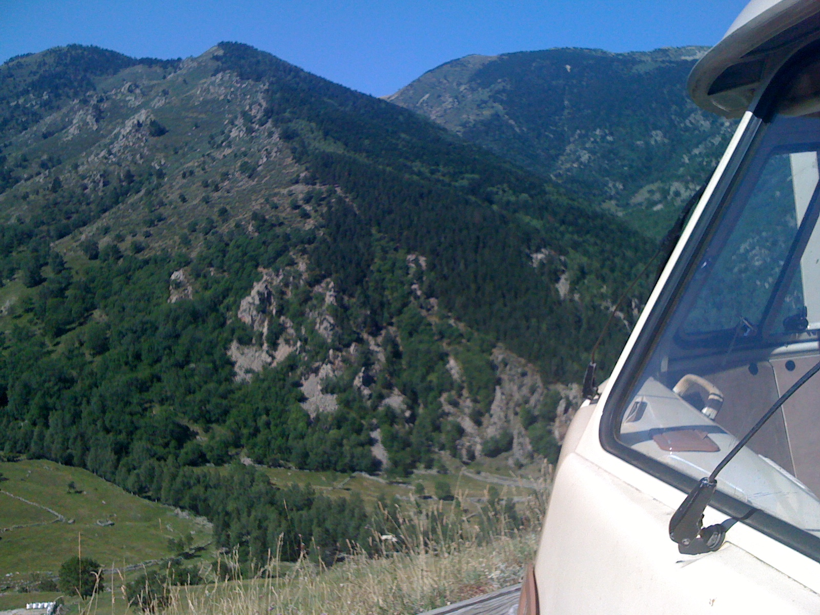 Vw combi split pyrenees 2011